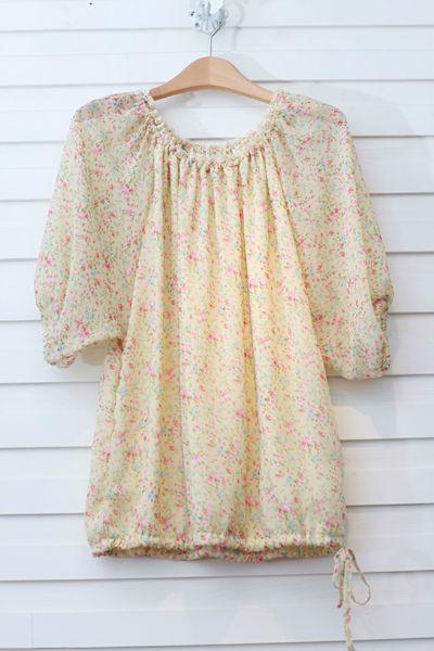 玫瑰花雪纺中袖衫:225元