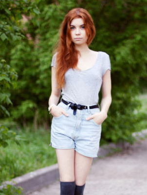 t恤 + 牛仔短裤