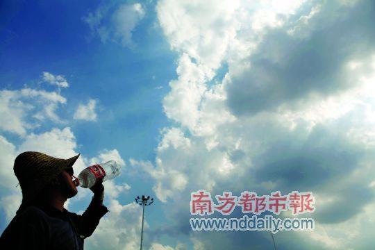 惠州高温津贴发放 有望告别雾里看花_新浪广东