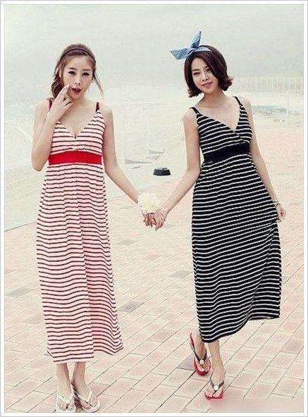 鲜明的条纹色彩的吊带连衣裙