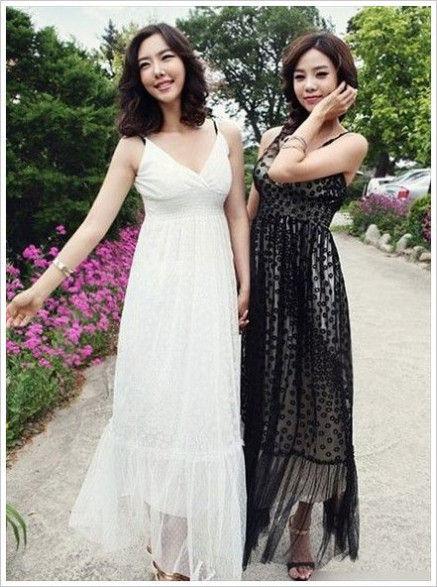 轻柔的雪纺罩纱的吊带裙