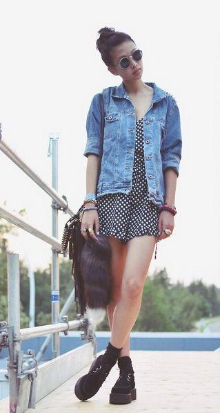 夏日亮眼个性混搭街头充满时尚色彩