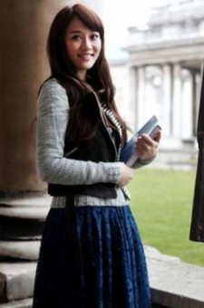 蕾丝裙+军装外套