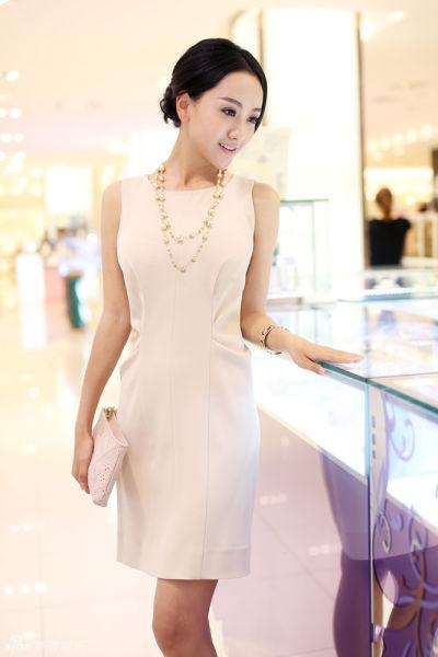组图:杨蓉精致时尚街拍演绎女人慵懒生活