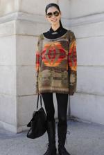 温暖毛衣这样穿最美