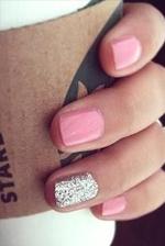 甜美公主风 可爱童趣粉红色指甲油大搜罗