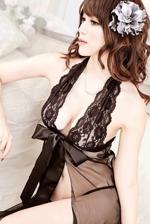 黑纱蕾丝小露点 情趣套装穿出诱人曲线
