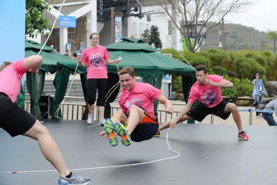 saltare crew花式跳绳队由美国跳到昂坪360图片