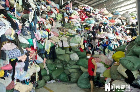 深圳一工厂收购废旧衣服 分拣贴签再出售 旧衣