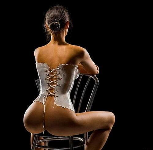 别样性感创意牛奶礼服