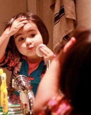孩子爱臭美也是一种成长