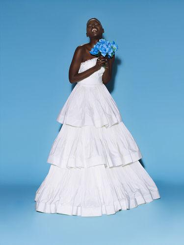 3层蛋糕式婚纱