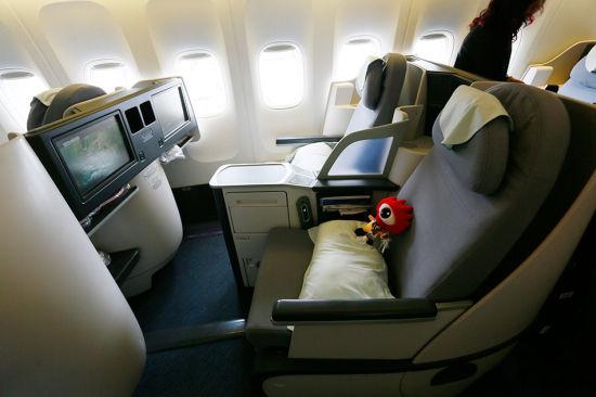 商务舱座椅可以180度