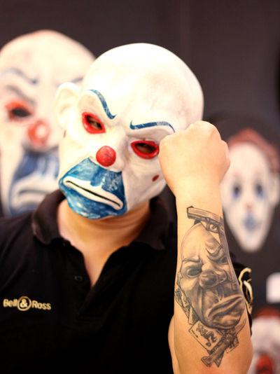小丑面具铅笔画