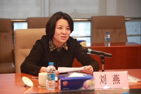 深圳组织部员:不知70后辞职女厅是否为裸