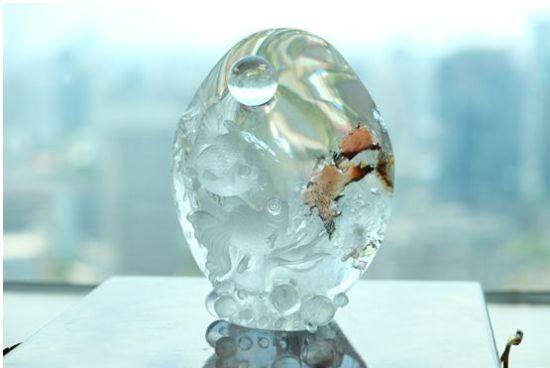 纯天然双鱼戏水水晶雕件