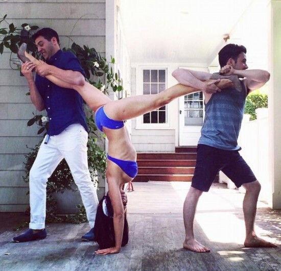 美国一女子网络上晒多张自己瑜伽美照惊呆网友