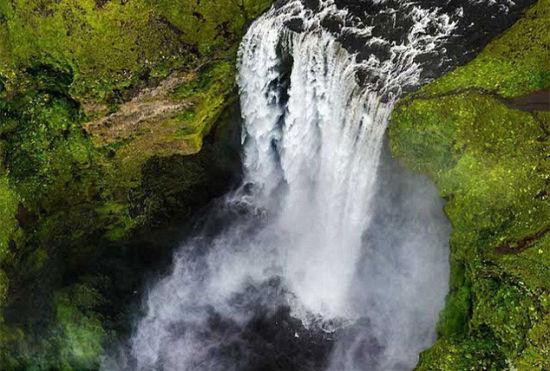 摄影师航拍冰岛秀丽山川呼吁保护自然