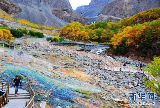 长白山入秋壮丽景色五彩斑斓美绝天下