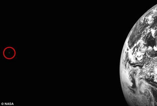 美国宇航局公布地球火星同现夜空罕见画面