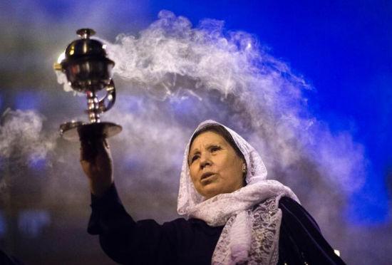 """旅西秘鲁人载歌载舞参加""""奇迹之神""""活动"""
