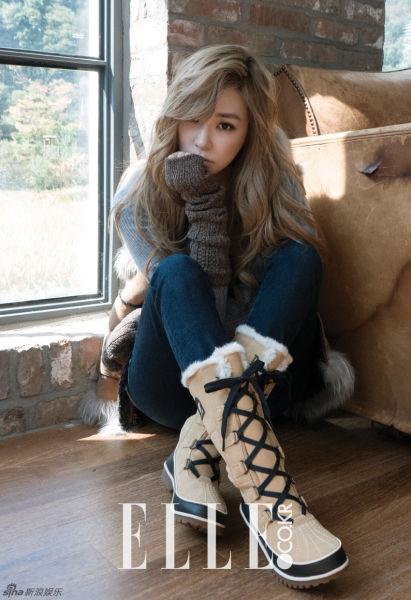 少女时代Tiffany写真乱发慵懒笑眼迷人