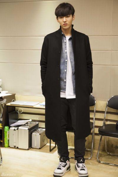 吴亦凡将发电影主题曲《有一个地方》