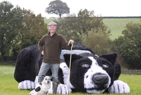 """农民将汽车改造成""""牧羊犬""""纪念爱犬"""