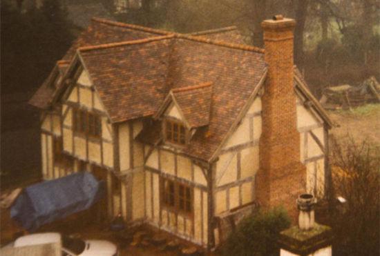 英国夫妇自学木工建伊莉莎白式精美阁楼