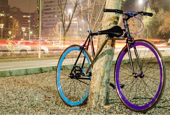 """智利学生宣称发明""""永不丢失""""自行车"""