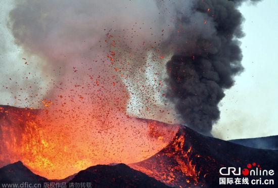 佛得角福古火山沉寂近20年后首次喷发