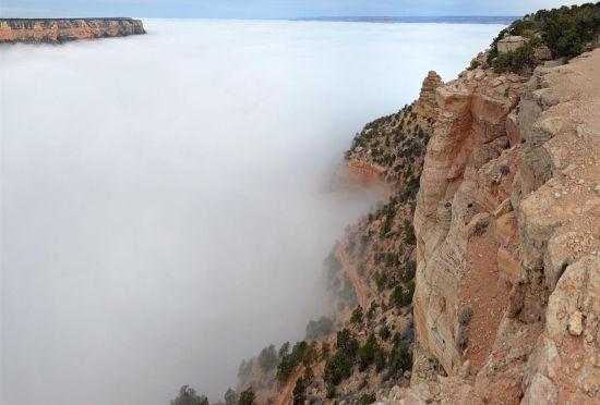 美国大峡谷国家公园现云海景象如仙境