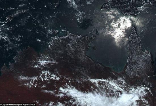 日本卫星拍摄到地球最真实的颜色