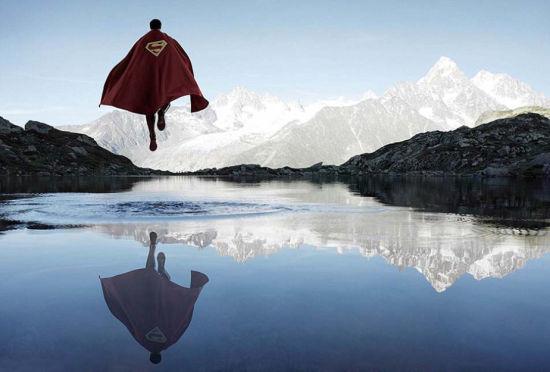 """摄影师拍""""超级英雄""""在英法境内度假照"""