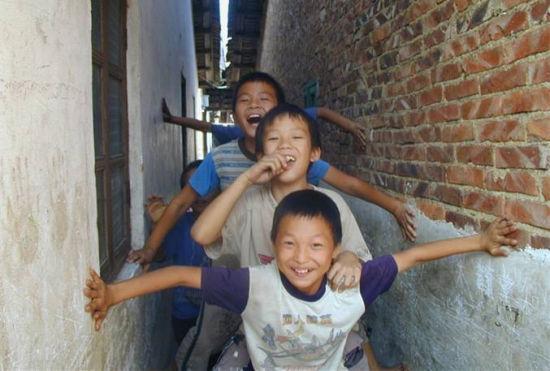 清新教育交流中心:留守儿童的开心学堂