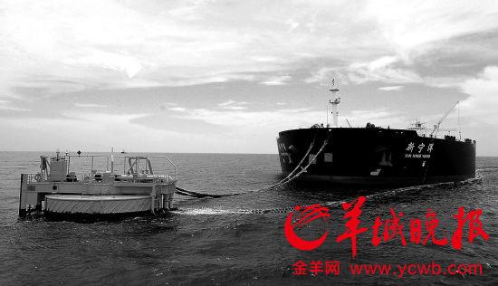 如今只能停在海上的30万吨油轮,将来有泊位入港