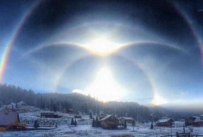 寒流席卷美国新墨西哥州空中惊现冰光环