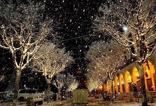中东地区遭暴风雪袭击以色列似童话小城