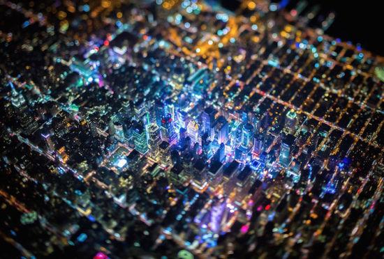 摄影师乘直升机夜袭纽约拍摄绝美奇景