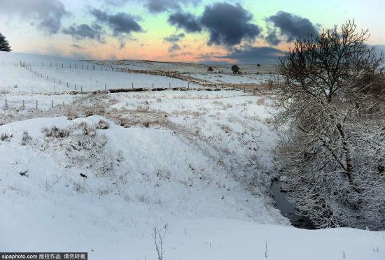 英国格温特郡银装素裹的冬日美丽雪景