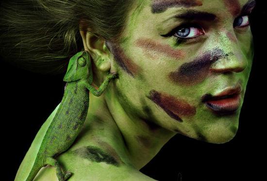 少女摄影师与动物上演的本能自拍照