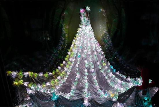 光纤婚纱梦幻亮相夺人眼球光纤织入布料