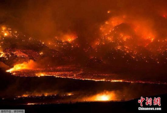 美国加州爆发山火场面如末日降临