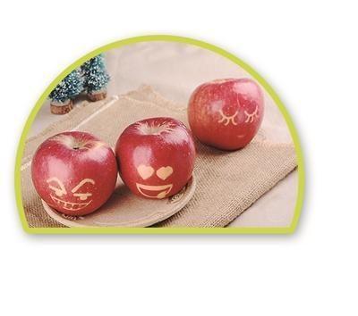 """""""10余种常用表情:微笑,憨笑,哭泣等,各种表情被晒刻到苹果表面,趣味"""