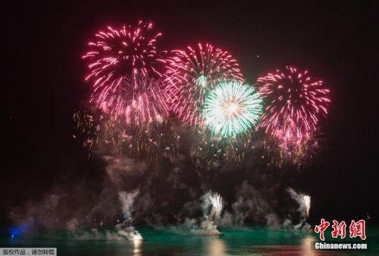 夏威夷环太平洋跨文化艺术节上演烟花秀