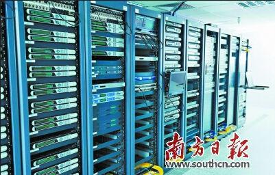 广东警方在台湾方面协助下查处网站服务器2台,在厦门扣押了网站的备用服务器35台。 图片由通讯员提供