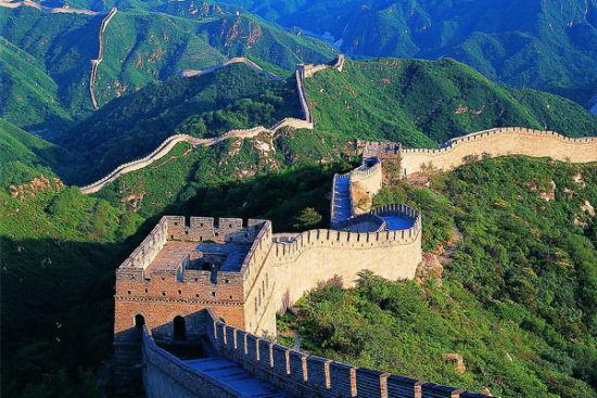 中国长城   长城又称万里长城