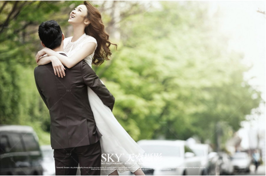 北京婚纱摄影天空摄影追求高端时尚国际范