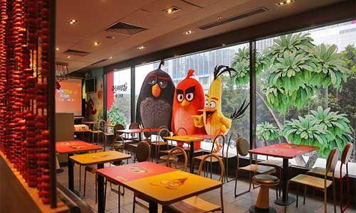 麦当劳愤怒的小鸟主题餐厅揭幕图片