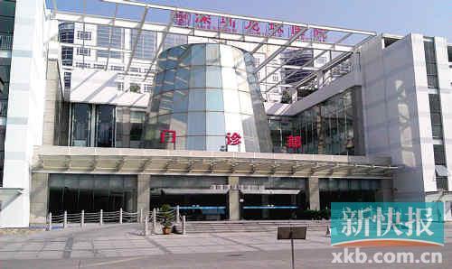 从外面看,深圳龙珠医院相当气派。